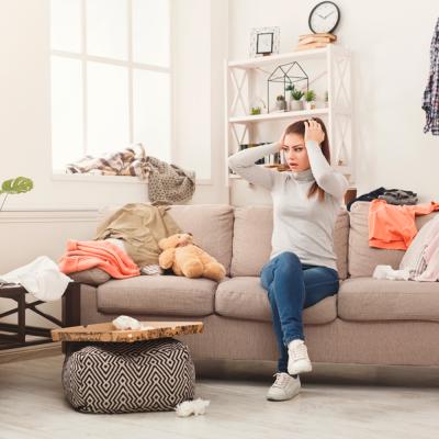 ahorrar espacio salon habitacion armario